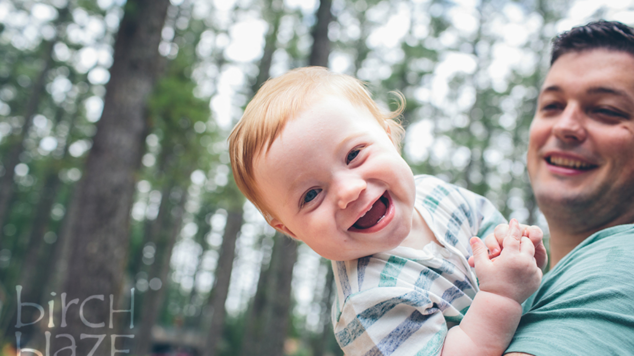 Toddler enjoying time with Dad in Maine. Maine Family Photographers, Birch Blaze Studios.