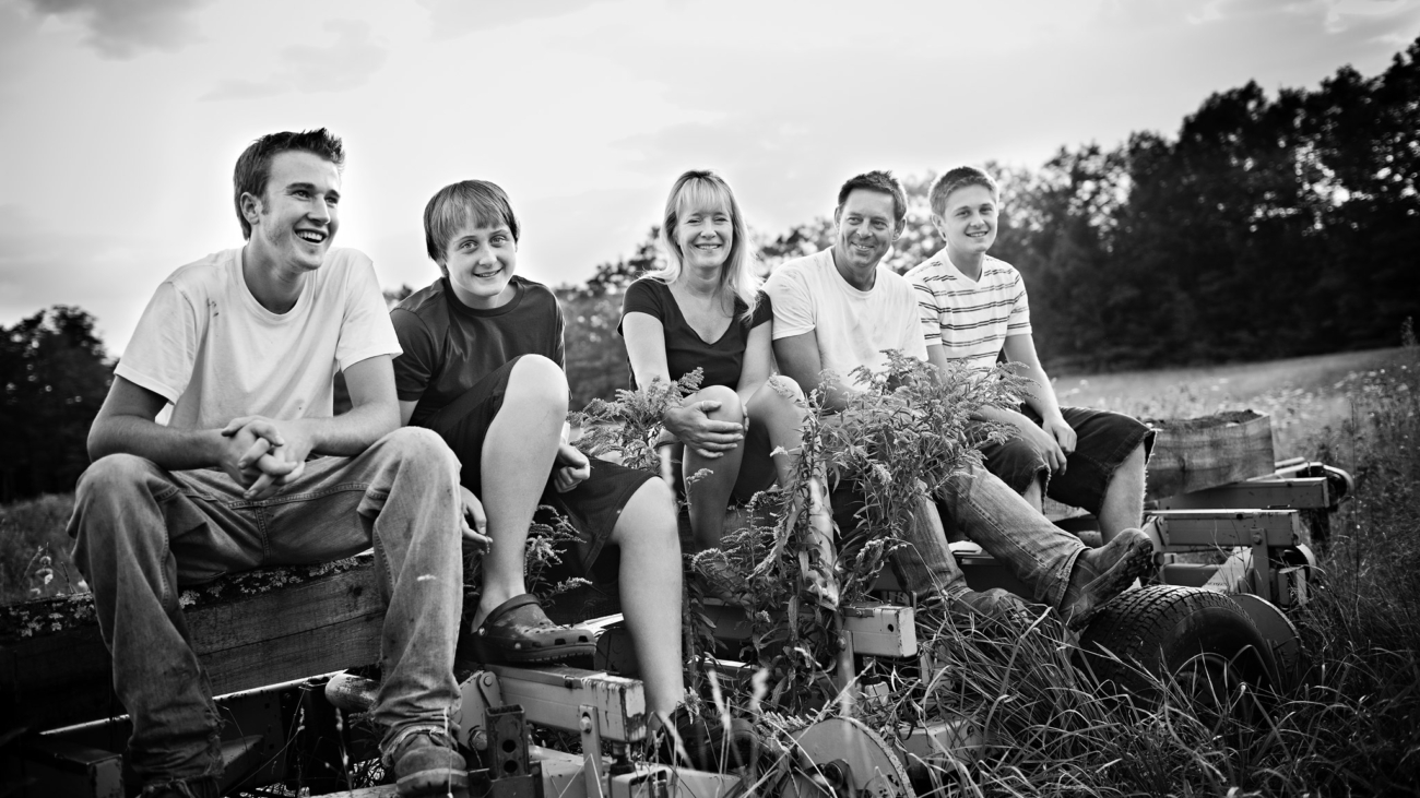 Family time on an NH farm, farm life. Black & White Photo. New Hampshire Family Photographers - Birch Blaze Studios